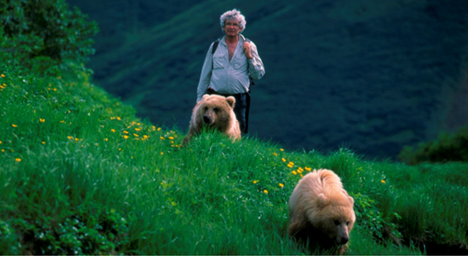 Charlie Russell – Living Among the Grizzlies